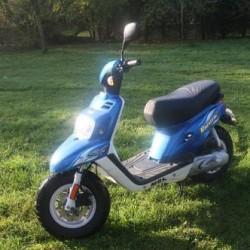 occasion scooter 50 moto plein phare. Black Bedroom Furniture Sets. Home Design Ideas