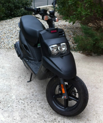 scooter booster occasion moto plein phare. Black Bedroom Furniture Sets. Home Design Ideas