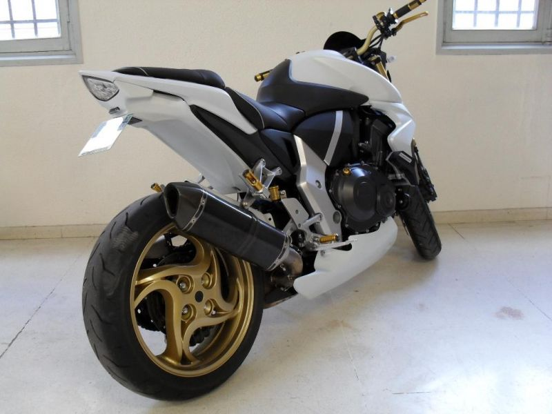 roadster moto occasion moto plein phare. Black Bedroom Furniture Sets. Home Design Ideas