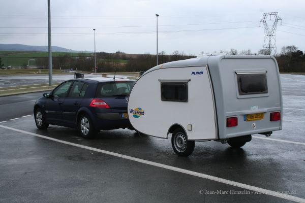 petite caravane pliante toile moto plein phare. Black Bedroom Furniture Sets. Home Design Ideas