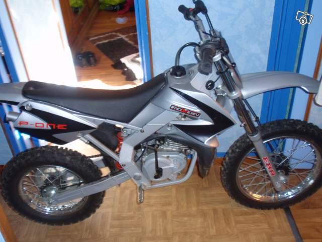 moto cross occasion pas cher 50cc moto plein phare. Black Bedroom Furniture Sets. Home Design Ideas