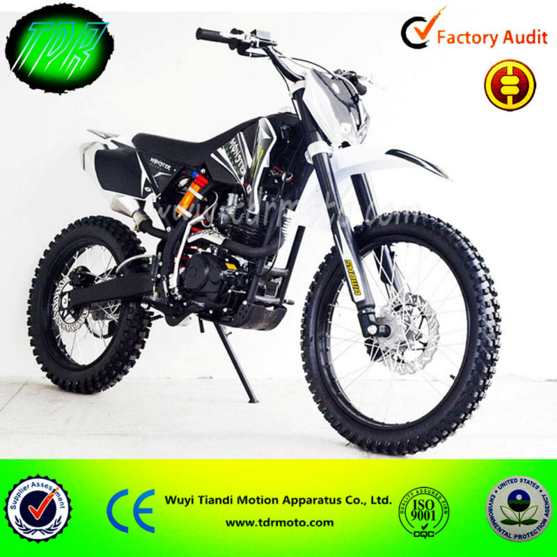 moto cross a vendre pas cher 250cc moto plein phare. Black Bedroom Furniture Sets. Home Design Ideas