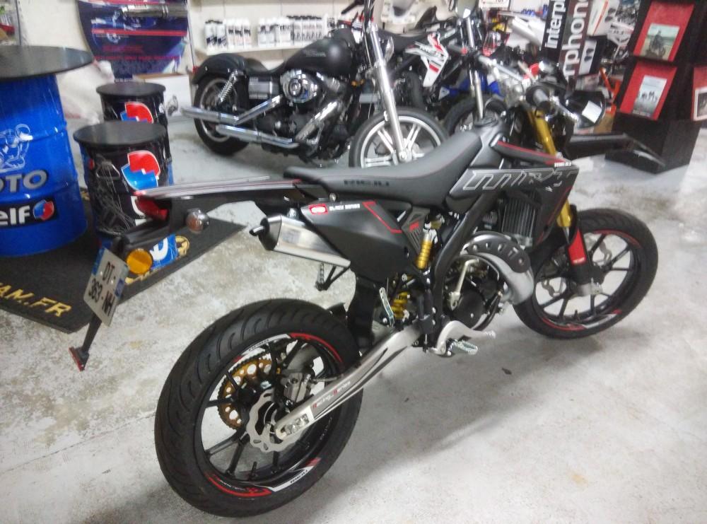 50cc supermotard neuf moto plein phare. Black Bedroom Furniture Sets. Home Design Ideas