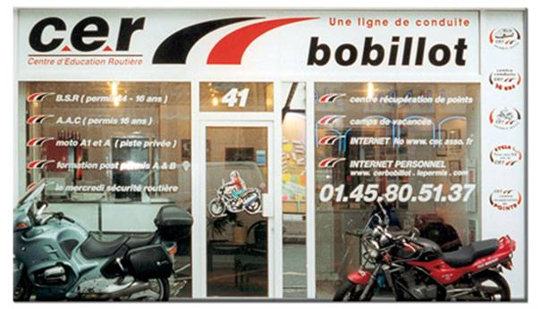 cout permis moto 125 moto plein phare. Black Bedroom Furniture Sets. Home Design Ideas