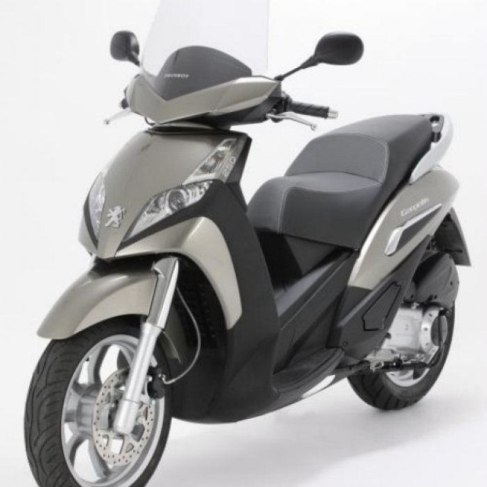 scooter occasion 50cc pas cher moto plein phare. Black Bedroom Furniture Sets. Home Design Ideas