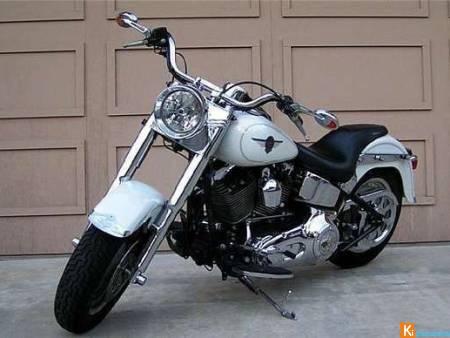 moto d occasion pas cher moto plein phare. Black Bedroom Furniture Sets. Home Design Ideas