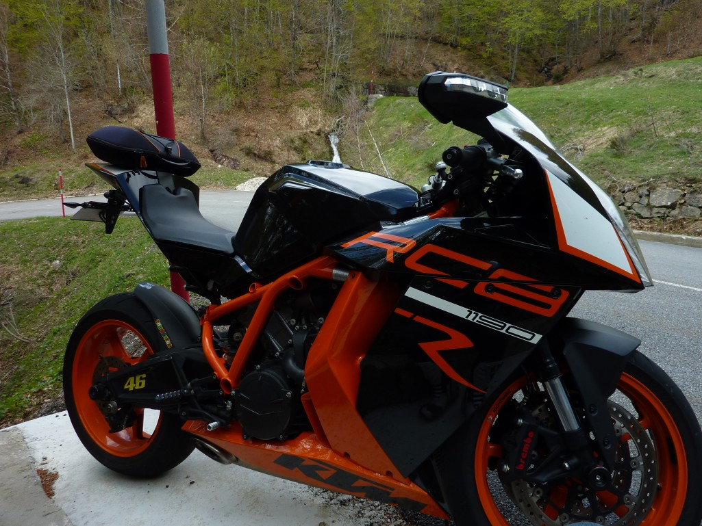 Moto sportive occasion moto plein phare - Image moto sportive ...