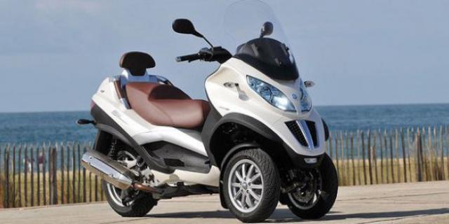 conduire moto avec permis voiture moto plein phare. Black Bedroom Furniture Sets. Home Design Ideas