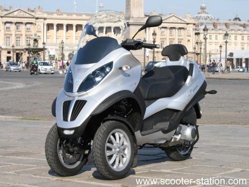 scooter 400 sans permis moto moto plein phare. Black Bedroom Furniture Sets. Home Design Ideas
